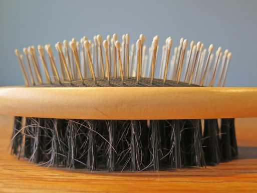 تمشيط الشعر الخفيف