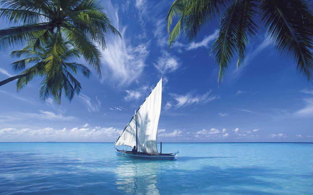 اجمل المناظر طبيعية بحر ومركب شراعية